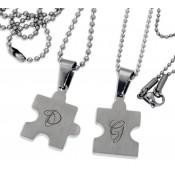 Zwei Partnerketten PUZZLE mit Herz inkl. Initialen Gravur (Set)